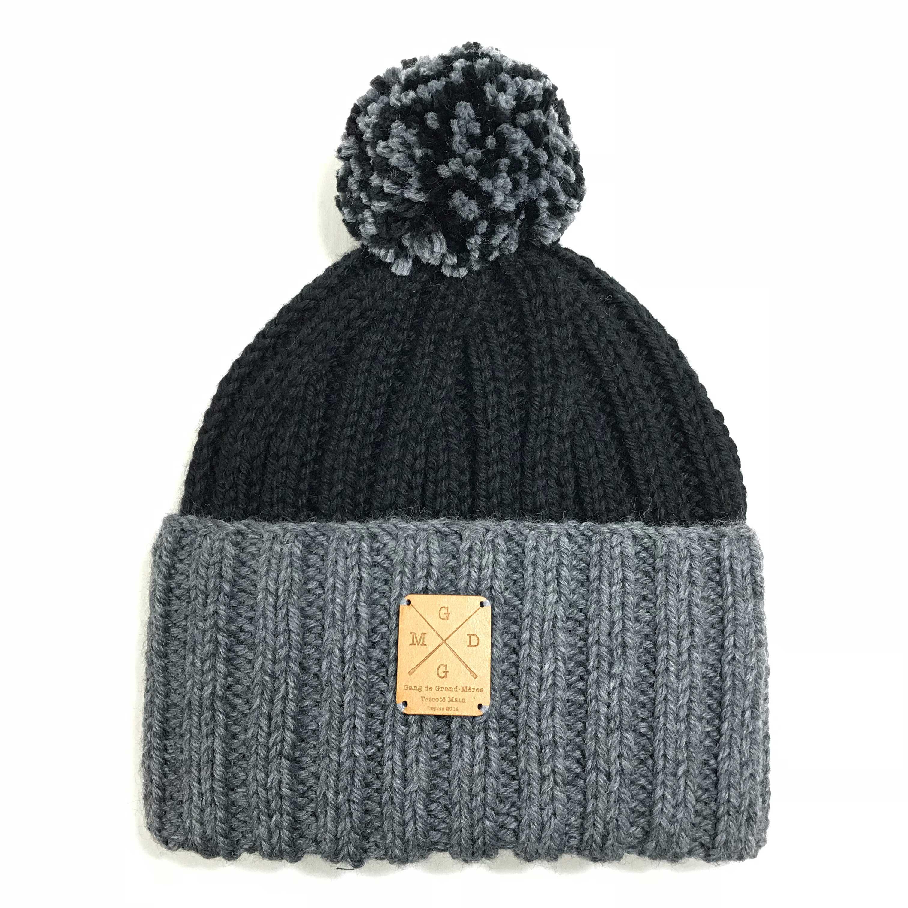 5 h, c est le temps passé par Chantal, Maryse ou encore Christiane, les  tricoteuses du GANG DE GRAND MÈRE, pour vous confectionner ce bonnet stylé  avec une ... fabb882dbdb